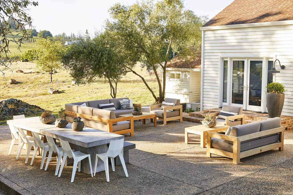 House_Calls_Healdsburg_Schlarb__Pick_exterior_seating_0167_Aubrie_PIck.1528996001