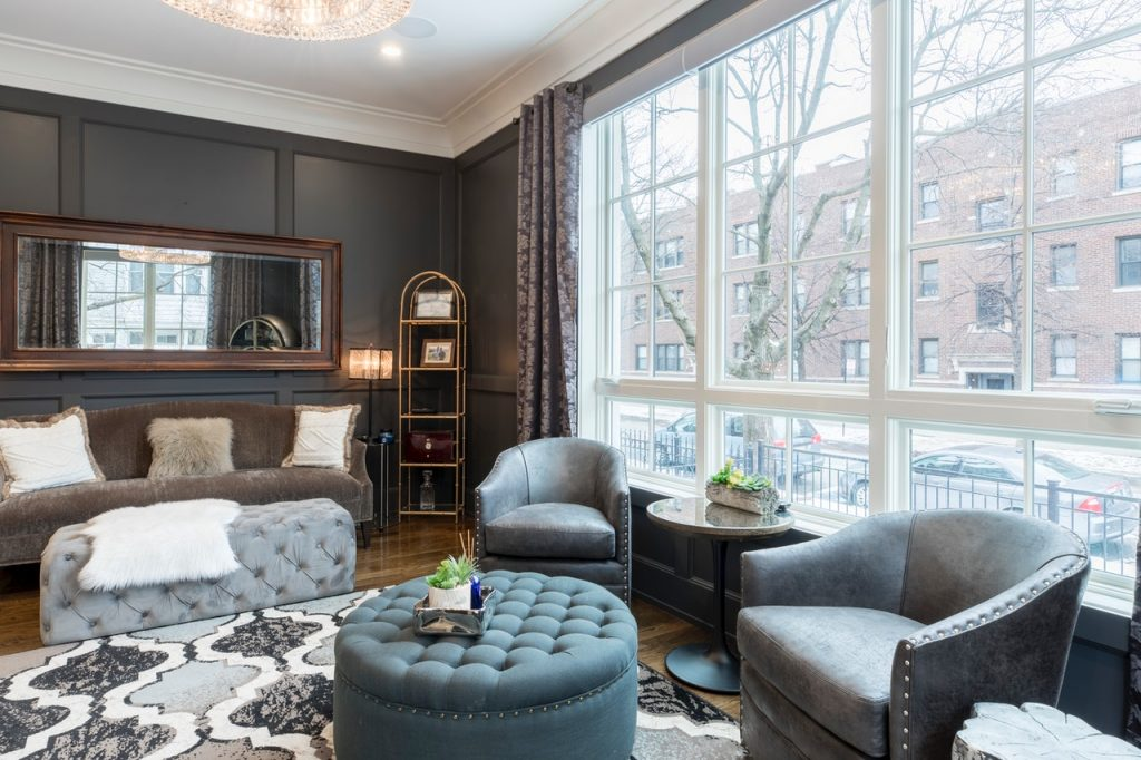 combining colors and fabrics in living room
